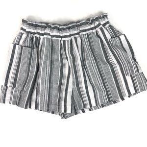 Fashion Nova Gray White Striped Shorts Size Large